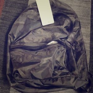 Lululemon CAMO mainstay backpack